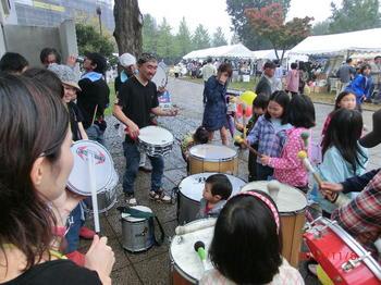 20111106-18サンバ こどもたち.JPG
